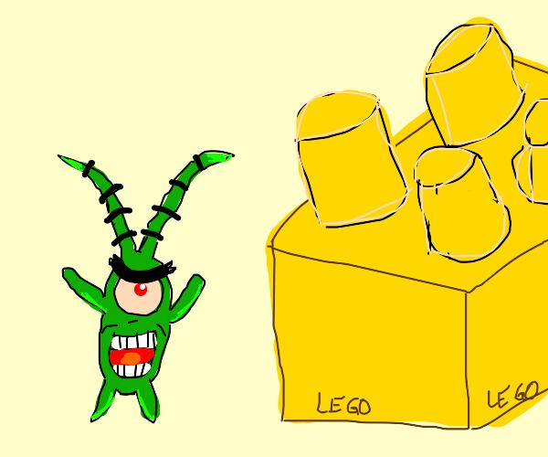 Plankton and a yellow lego brick