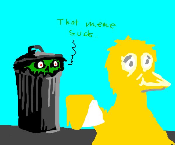 Oscar cringes at other Muppets' memes