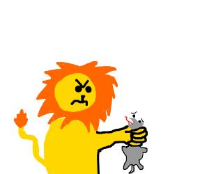 lion strangles a mouse