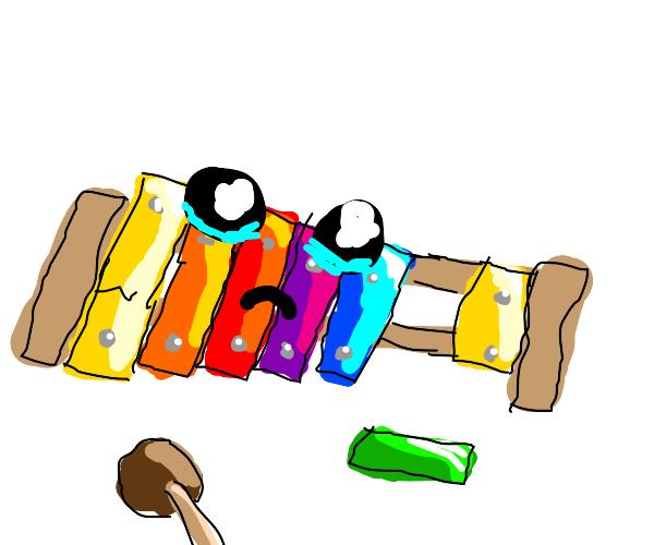 A sad and broken xylophone