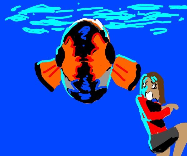 Women in Aquarium scared of Clownfish