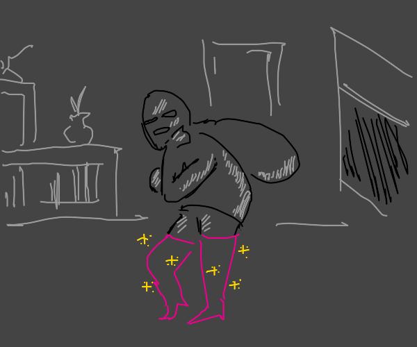 Fashion-conscious burglar