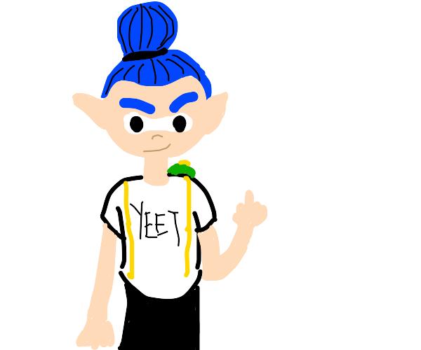 "Blue inkling wearing a shirt that says ""yeet"""