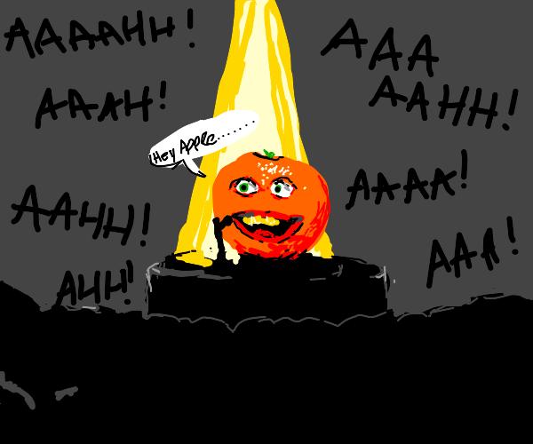 Delusional Orange guy terrifies crowd