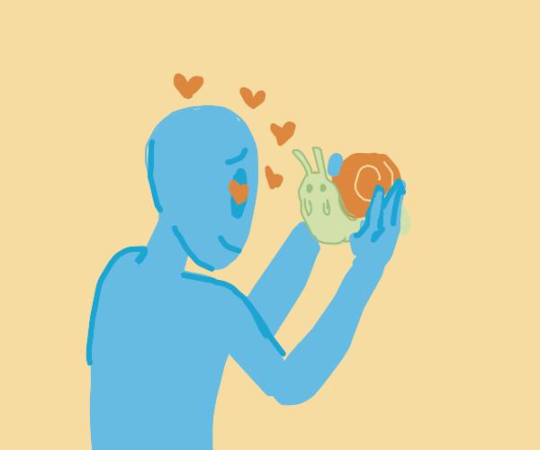 Alien falls in love with snail