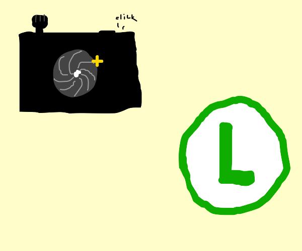 Camera photographs an L