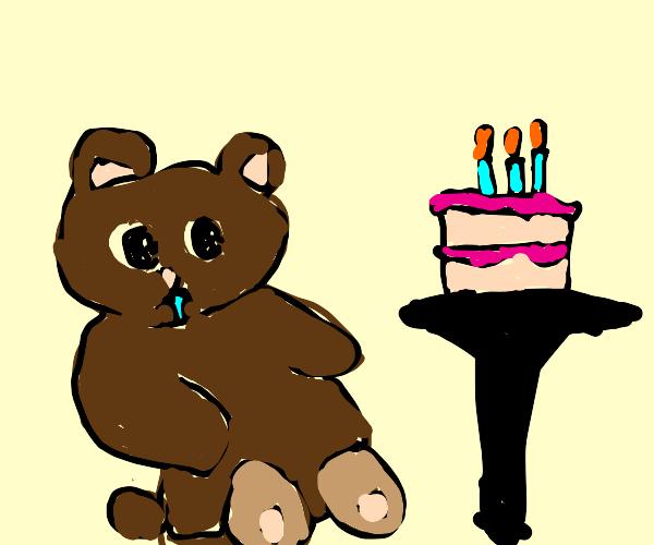 Bear really wants some birthday cake!