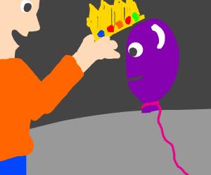 Man crowns a balloon king