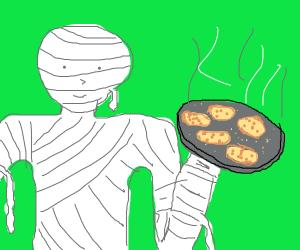 Mummy holding cookies