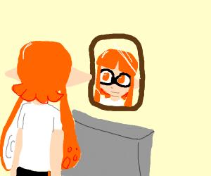 Orange splatooncharacter looking inthe mirror