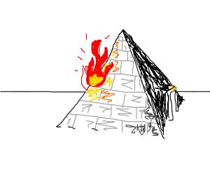 Piramid on fire