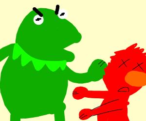 Kermit slaping elmo