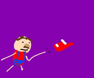 Mario throws Cappy
