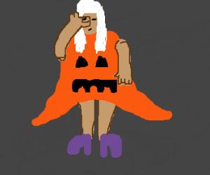 Lady Gagas halloween costume is childish