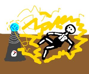 Tesla coil overloads, electrocuting man