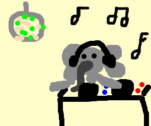 Elephant DJ in da club