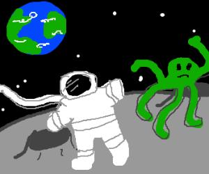 Astronaut on Moon takes note of alien