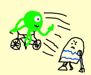 r2d2 catching alien on bike