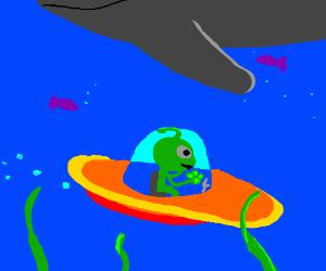Alien ship goes under the sea