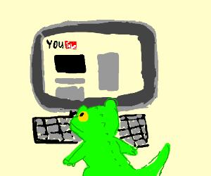 lizard watching youtube