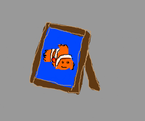 Picture frame w/ picture of a Nemo/Marlin