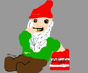 Gnome eating popcorn